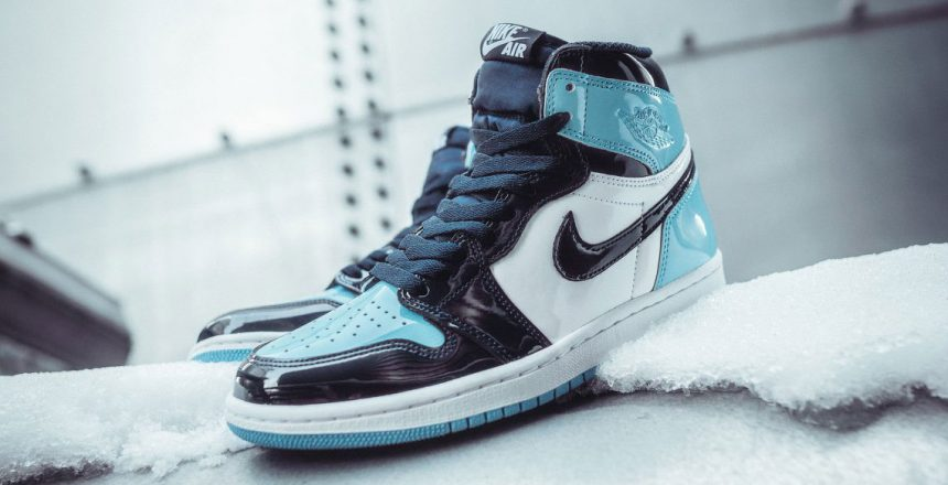 air-jordan-1-retro-high-og-unc-blue-chill-CD0461-401-2